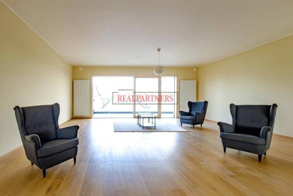Exklusivní byt 5+kk o ploše 221,7 m² + 2x balkon 27,8 m² na prestižní adrese Prahy 6.