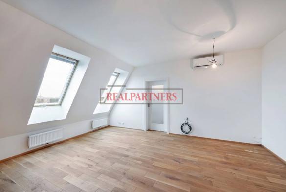 Nový mezonetový atelier 3+1 o ploše 88,8 m² ve žadané lokalitě Prahy 3.