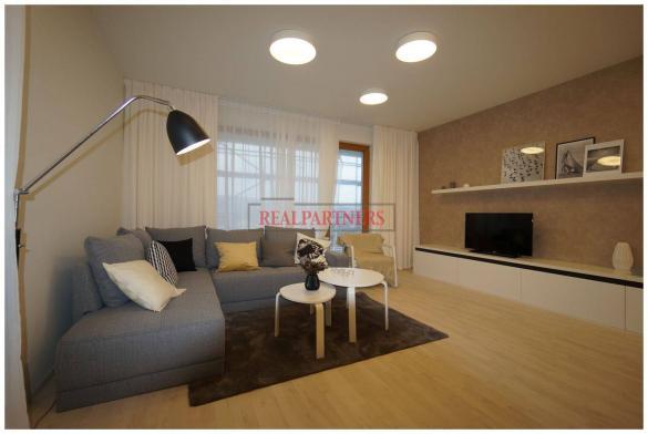 Nový 2+kk o ploše 56,3 m² + 2x balkon 19,5 m² + 8,7 m² s kolaudací 12/2018.
