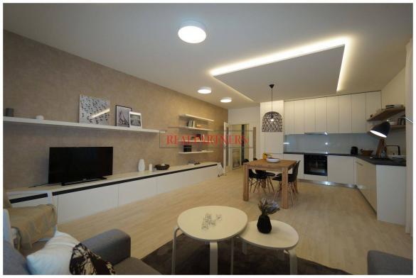 Nový byt 2+kk o ploše 62,7 m² + 9,1 m² balkón s výhledem na Prahu.