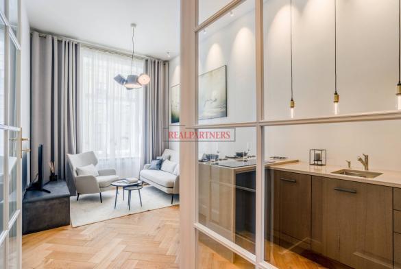 Zrekonstruovaný byt 2+kk o ploše 42,4 m² na Praze 1 - Nové město.
