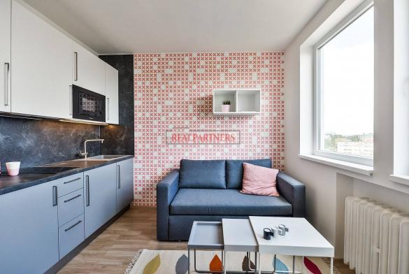 Zrekonstruovaná ubytovací jednotka 1+kk o ploše 17,2  m² na Malvazinkách - Praha 5.