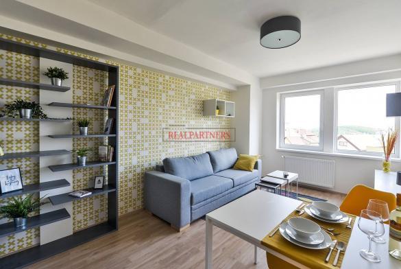 Zrekonstruovaná ubytovací jednotka 1+kk o ploše 27,4 m² na Malvazinkách - Praha 5.