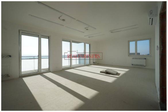 Nový 4+kk o ploše 151 m² + balkon 13 m² s JZV orientací a klimatizací..