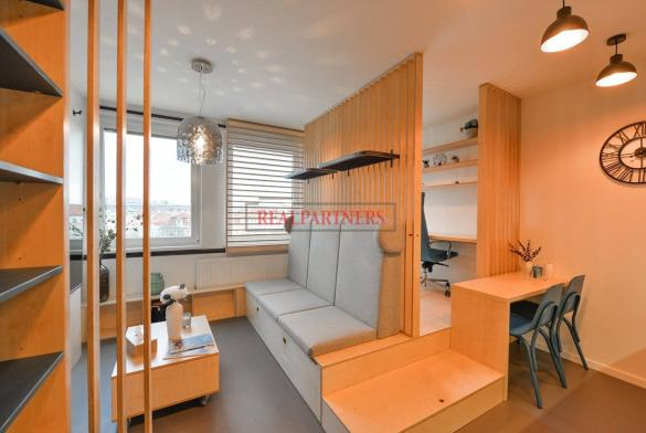 Ubytovací jednotka 1+kk o ploše 9,8  m² na Praze 2, pod Grébovkou.