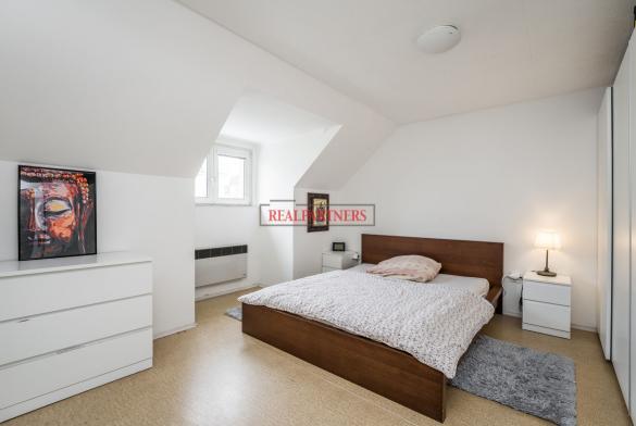 Pěkný byt 2+1 o ploše 59,20 m² v samém srdci starých Strašnic.