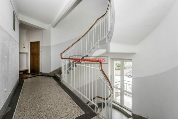 Pěkný byt 3+1 o ploše 96,1  m² v samém srdci starých Strašnic.