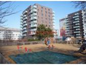 Čerstvě zkolaudován nový 3+kk o ploše 78 m² + terasa 11 m² + zahrádka 32 m².